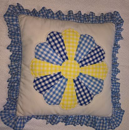 Picture of Cushion - Patchwork Dresden Plate