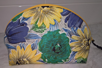 Picture of Pouch - 1950s Floral Small