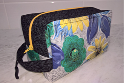 Picture of Pouch - 1950s Floral Box/Yellow Zipper