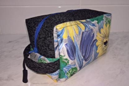 Picture of Pouch - 1950s Floral Box/Blue Zipper